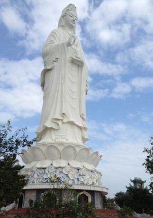 Vietnam-Statue-article